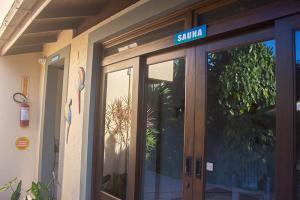 pousada verde natur area externa entrada banheiro e sauna